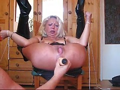 Roped mature German whore toy fucked in her ass till squirting